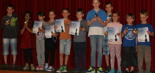 Siegerehrung beim 5. Vaterstettener Jugend- und Amateur-Pokal 2016